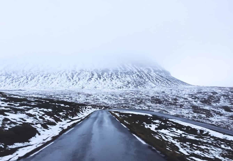 Snowy roads in Esturoy