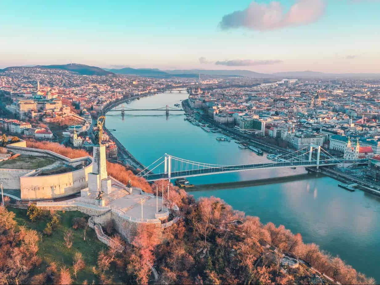 24 Hours in Budapest