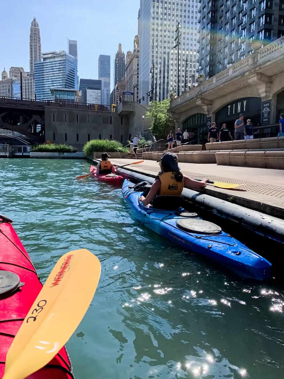 Kayaking in Chicago Along the Riverwalk