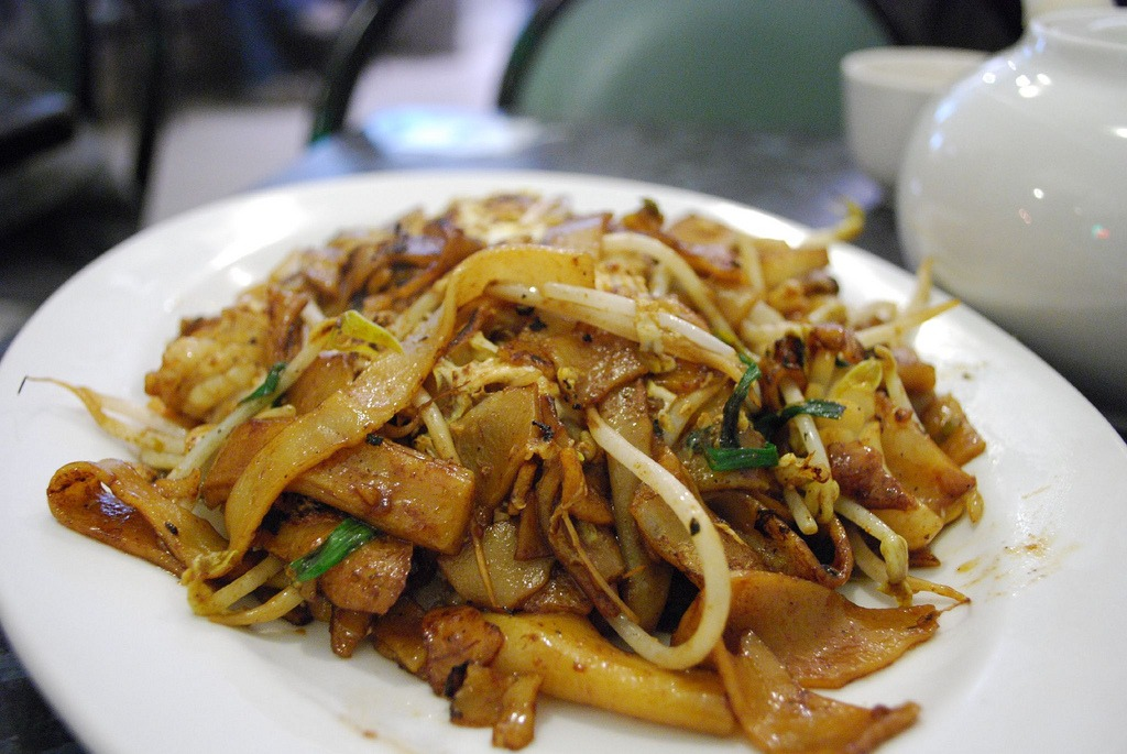 Char Kway Teow | 24 Hours In Singapore